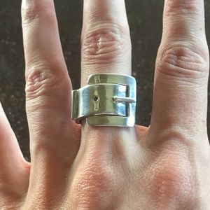 Jewelry - Sterling Silver large buckle ring size 7